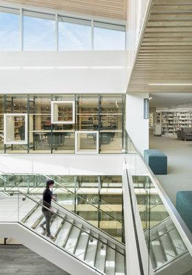 bibliothequegarneau-stephanegroleau-414-2-2